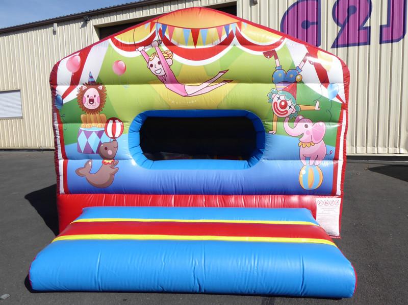 Maison cirque (piscine à boules)